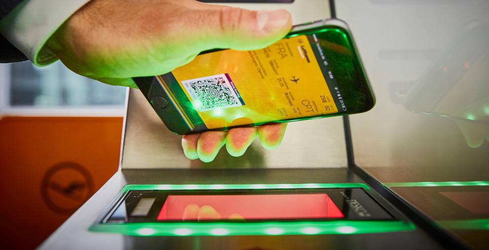 Die Lufthansa stellt die Miles & More-App Finance Plus ein.