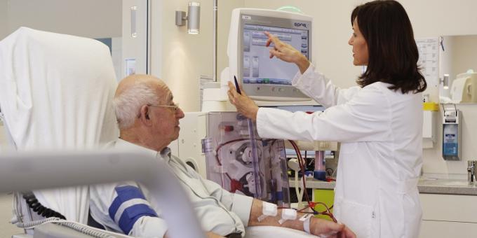 Der Dialysespezialist Fresenius Medical Care hat einen neuen syndizierten Kredit zu günstigeren Bedingungen abgeschlossen.