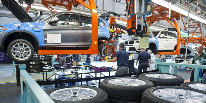 Der Automobilkonzern BMW hat trotz schwierigen Umfelds einen Benchmark-Bond begeben. Das Marktumfeld war schwierig.