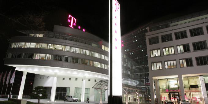 Unternehmensfinanzierungen: Die Deutsche Telekom hat eine Benchmarkanleihe mit einem Milliardenvolumen platziert.