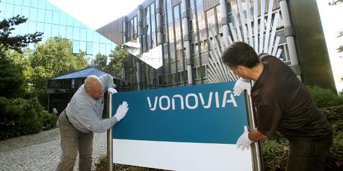 Finanzierungen: Der Immobilienkonzern Vonovia sichert sich die Finanzierung für seinen geplanten Deutsche-Wohnen-Deal.