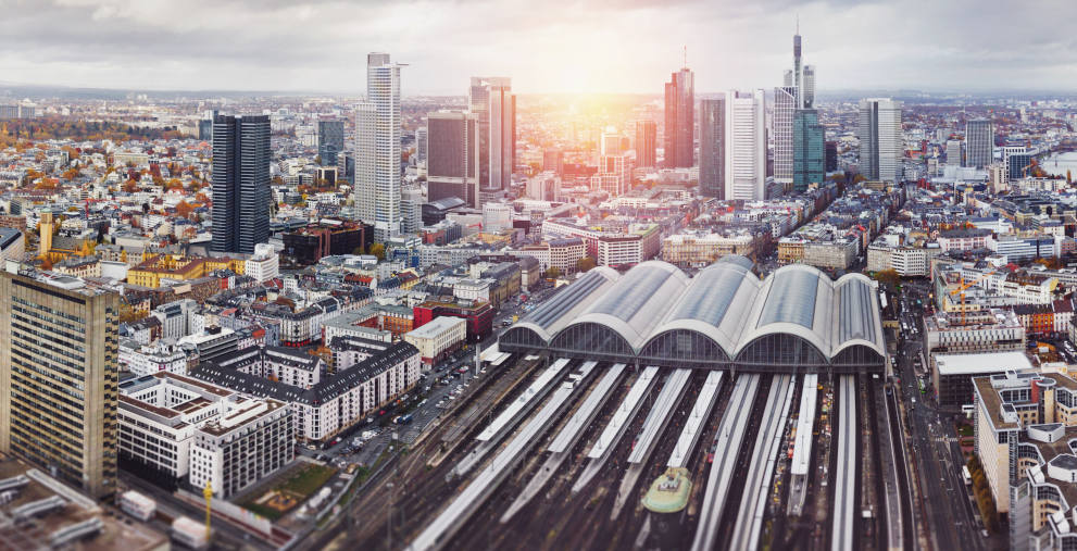 Die Frankfurter Immobilieninvestoren Publity und Preos stehen unter Druck, die Bafin ermittelt gegen die beiden Konzerne.