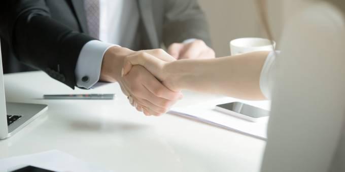 Zahlreiche Konzerne wollen ihre Finanzabteilung frauenfreundlicher machen. Nur durch eine gelungene Zusammenarbeit zwischen Mann und Frau können die Probleme von morgen bewältigt werden.