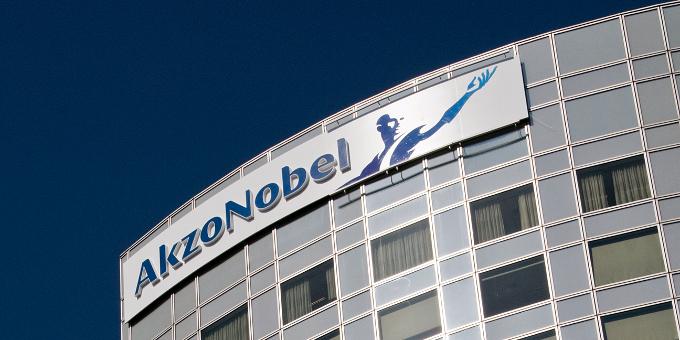 Akzo Nobel hat das Langlebigkeitsrisiko seiner rund 17.000 Beschäftigten in Großbritannien an Swiss Re abgetreten.