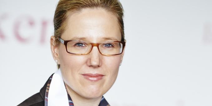 Ilka-Patricia Bernhart, Bereichsleiterin Treasury & Corporate Finance, über die vierte Schuldscheinemission der Klinikgruppe.