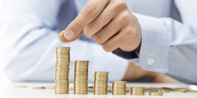 Die Kreditkosten für Unternehmen sind auf ein Rekordtief gefallen. Fünf-Jahres-Kredite sind mittlerweile für weniger als 2 Prozent zu haben.