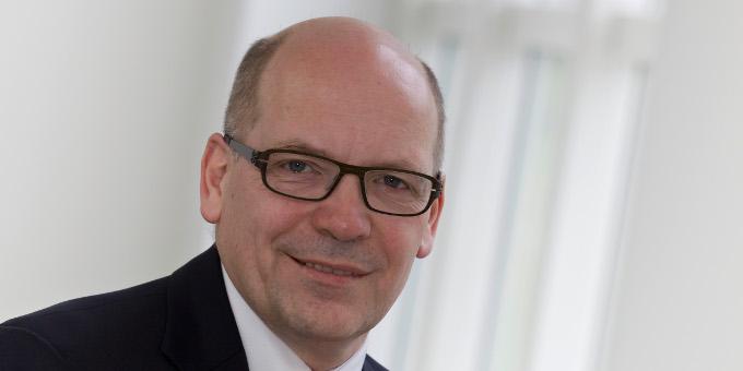Kurt Schäfer, Head of Treasury bei Daimler, über den Panda-Bond des Autobauers