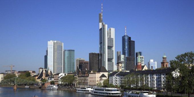 Standard Chartered Bank Deutschland verstärkt Wholesale Banking Team