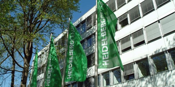 HeidelbergCement will nicht auf die Sepa-Eillastschrift warten. Doch damit ist das Unternehmen eine Ausnahme.