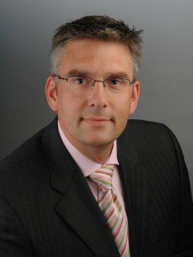 Seit 1. Februar dieses Jahres leitet Roland Kern als Geschäftsführer bei Lufthansa AirPlus, einem Lösungsanbieter für das Geschäftsreise-Management.