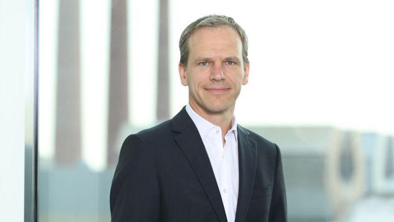 Schotts Treasury-Chef Dieter Worf hat mit seinem Team einen Schuldschein via der Plattform Debtvision platziert.