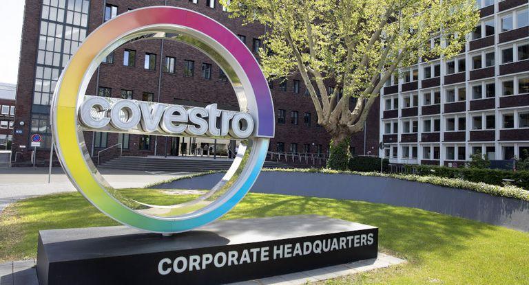 Größter bisheriger Zukauf: Covestro erwirbt für 1,61 Milliarden Euro das Geschäft mit Beschichtungsharzen und Glasfaserkabelbeschichtungen von DSM.