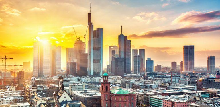 Welche Rolle haben Banken künftig im Zahlungsverkehr? Die Zahlungsdiensterichtlinie PSD2 dürfte einiges durcheinanderwirbeln.