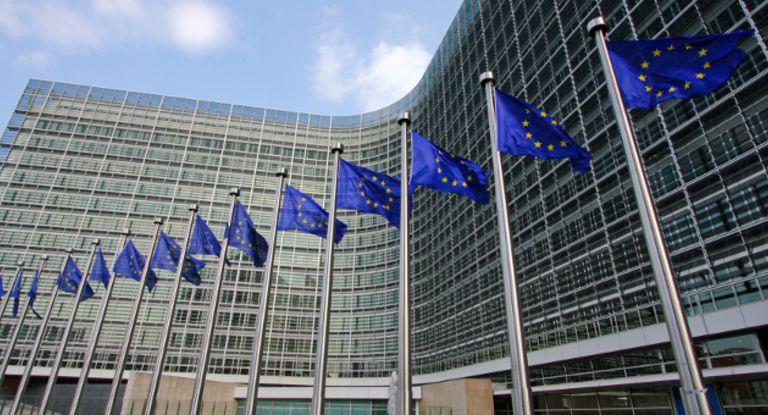 Die EU-Kommission möchte die Pflichten der Emir-Verordnung einfacher machen. Davon profitieren auch Corporate Treasurer.