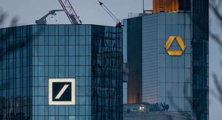 """Kommt bald die """"Deutsche Commerzbank""""? Top-Treasurer halten eine innerdeutsche Fusion für besser als eine Auslandsübernahme."""