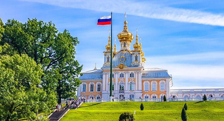 Immer mehr Unternehmen setzen einen Cash Pool in Russland auf. Dabei müssen sie einiges beachten.