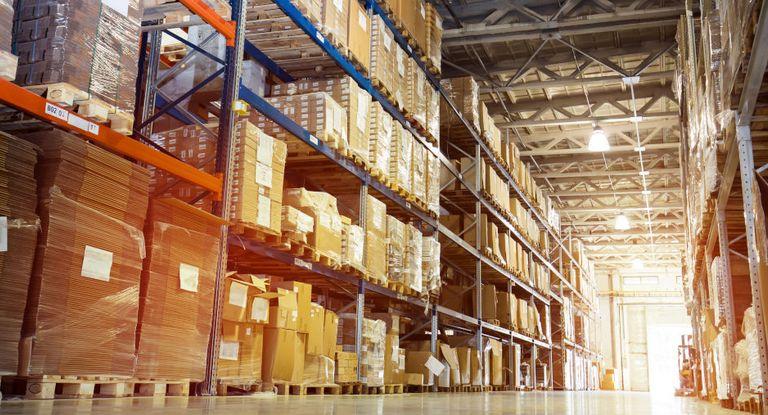 Bei der Working-Capital-Lösung von Benteler Trading profitieren Unternehmen von einer Just-in-time-Lieferung und der damit verbundenen geringeren Auslastung ihres Warenlagers.