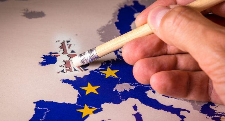 Wegen Corona werden die vorbereitenden Brexit-Pläne der deutschen Unternehmen durcheinander geworfen. C