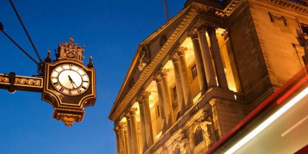 Die Bank of England mischt am Bondmarkt mit. Den Effekt ihres Anleihekaufprogramms machen sich auch deutsche Unternehmen zunutze.