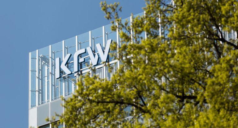 Ab dem kommenden Jahr will die KfW Fördermittel stärker anhand von Nachhaltigkeitskriterien vergeben.