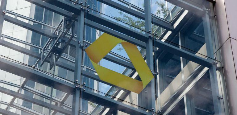 Will der Finanzinvestor Cerberus die Bund-Beteiligung an der Commerzbank abkaufen?