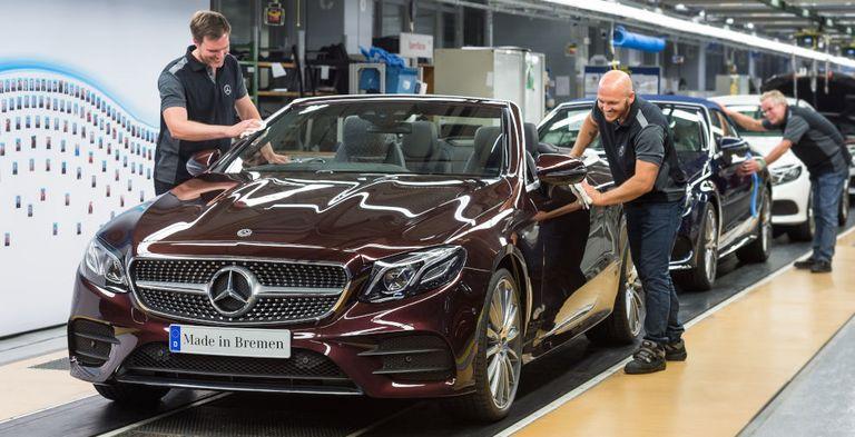 Der Autobauer Daimler hat zusammen mit der LBBW erstmals einen vollständig digitalen Schuldschein via Blockchain rechtswirksam platziert.