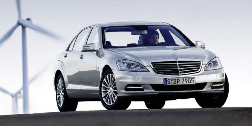 Die Ratingagentur Scope hat mit Daimler ein weiteres Dax-Unternehmen bewertet.