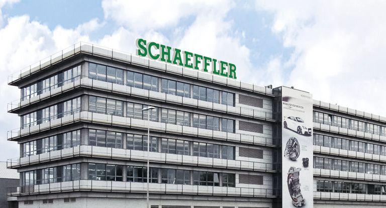 Die Familie Schaeffler tilgt mit ihrer strategischen Beteiligungsholding IHO Holding Schulden.
