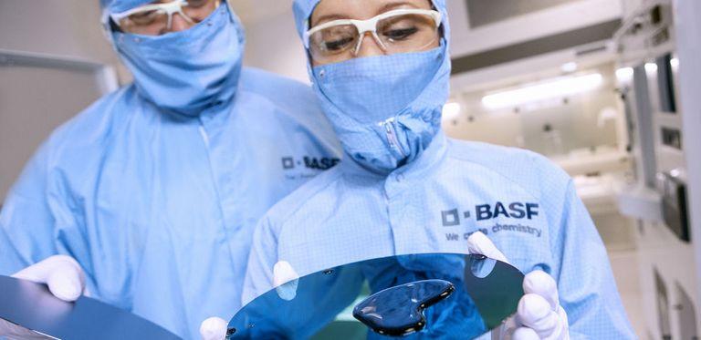 Der Chemiekonzern BASF hat seine erste grüne Anleihe emittiert.