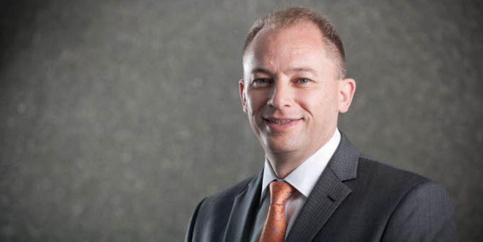 Air Berlins Großaktionär hat Treasury-Chef Ricky Thirion zum Interims-CFO berufen. Er hat schwere Wochen vor sich.