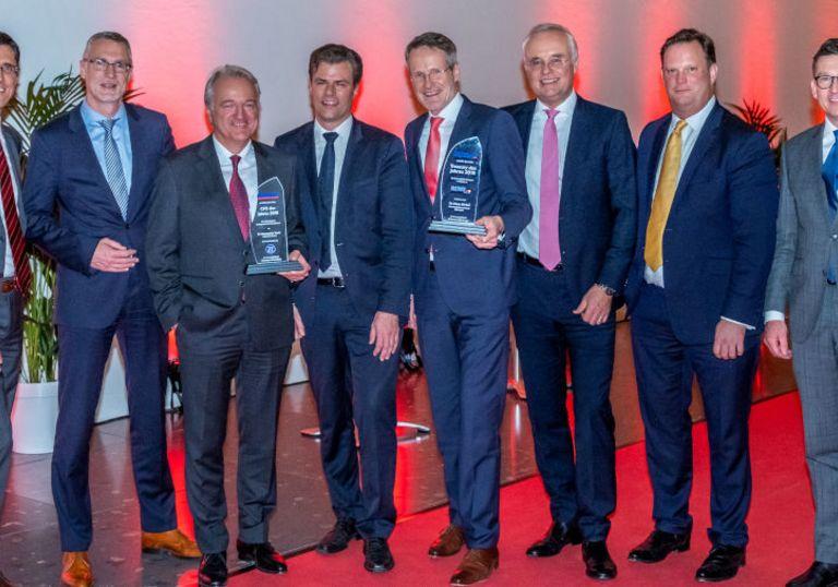 Die Preisträger: Konstantin Sauer (3.v.l) und Klaus Wirbel (5.v.l.) mit Torsten Murke (BNP Paribas), Markus Rupprecht (Traxpay), Volker Heischkamp (Innogy), Markus Dentz, Bastian Frien und Michael Hedtstück.