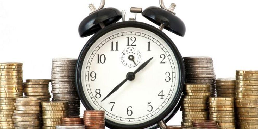 Wenn Unternehmen ihren Kunden viel Zeit zum Bezahlen der offenen Rechnungen lassen, müssen sie oft länger als geplant auf ihr Geld warten.
