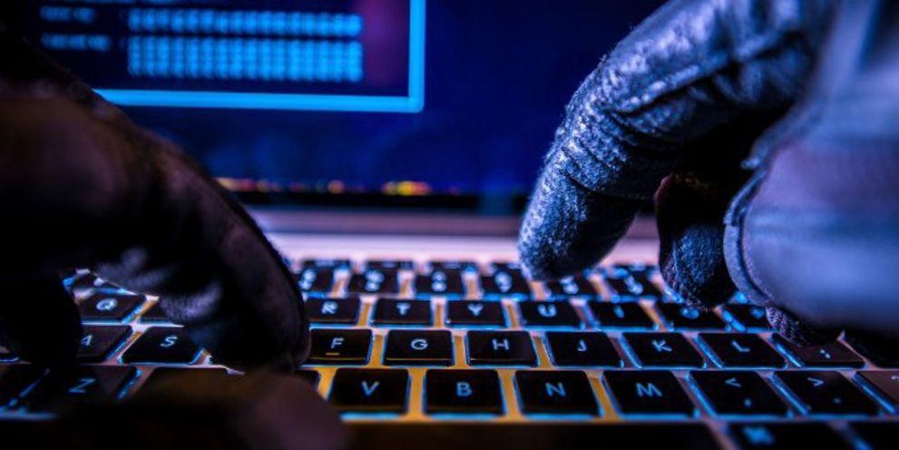 Angesichts der stetig wachsenden Gefahr von Cyberangriffen verschärft die Bundesregierung das 2015 beschlossene IT-Sicherheitsgesetz.