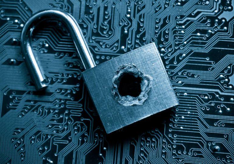 Immer wieder knacken Hacker die Sicherheitsschlösser der Unternehmen. Die Gefahr durch Cybercrime nimmt auch im Treasury zu.