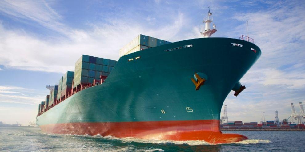 Die Reederei Rickmers will ihre Schuldenlast senken. Das trifft auch die Bondholder.