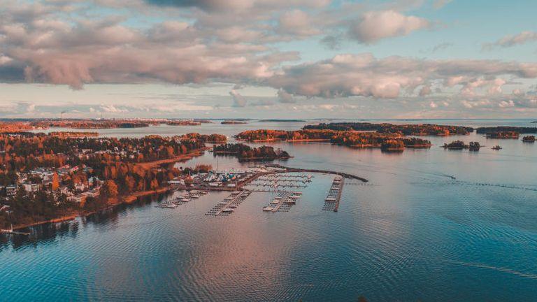 Hafen von Espoo in Finnland: Die finnische Nomentia kauft den Bonner Treasury-Spezialisten Tipco.