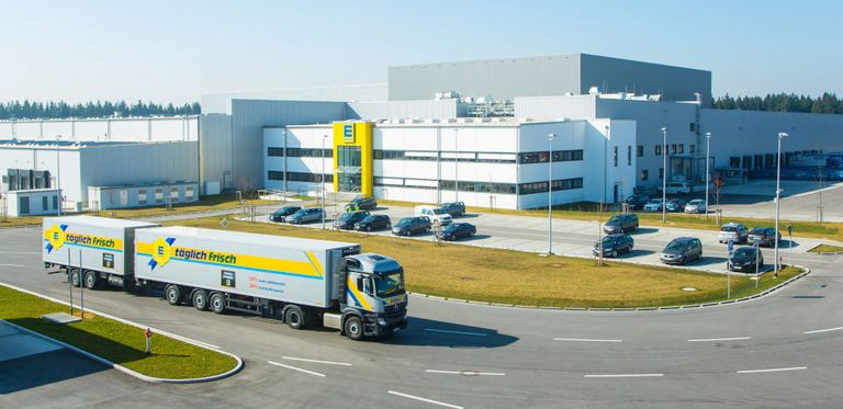 Der Lebensmittelhändler Edeka ist der erste Großkunde für die Supply-Chain-Finance-Plattform Traxpay.