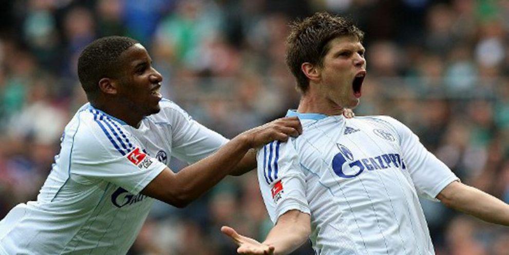 Der Fußballclub Schalke 04 hat den Anleihe-Investoren die erste Zinszahlung ausgezahlt.