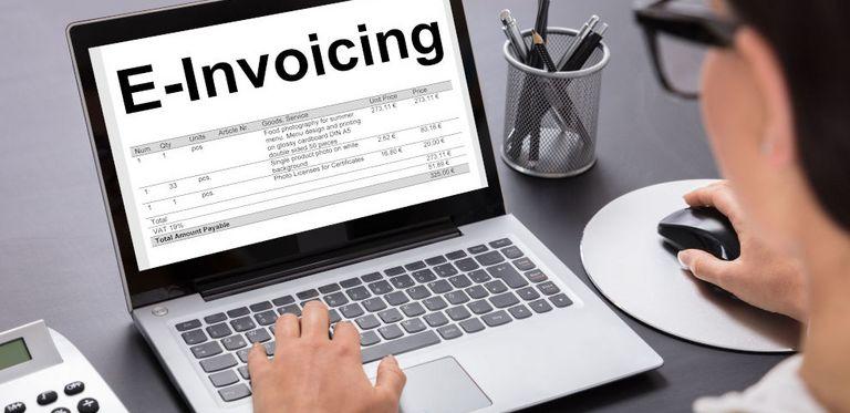 Die Commerzbank und das Fintech Crossinx arbeiten ab sofort beim E-Invoicing zusammen.