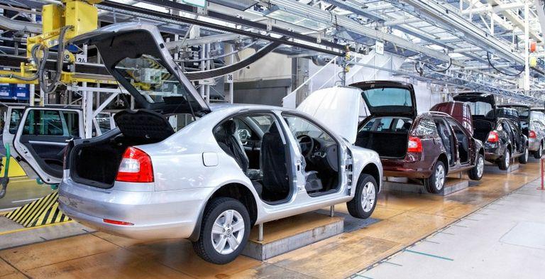 """Insbesondere die Autobranche ist von der Coronakrise betroffen: Euler Hermes hat den Versicherungsschutz für einige Unternehmen """"mit schwachen Bonitäten"""" bis zum Jahresende befristet."""