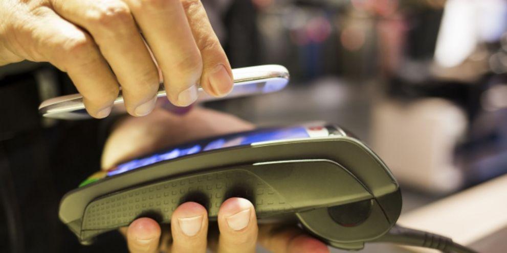 Zahlungsverkehr: Welche mobilen Lösungen sich durchsetzen werden. Die Banken müssen aufpassen.