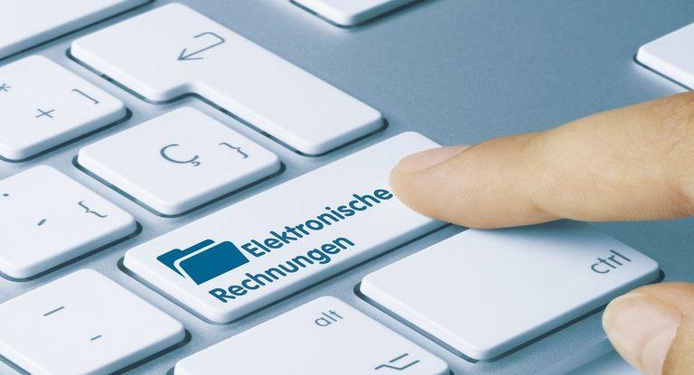Treasurer sollten bei E-Rechnungen auf die Leitweg-ID achten.