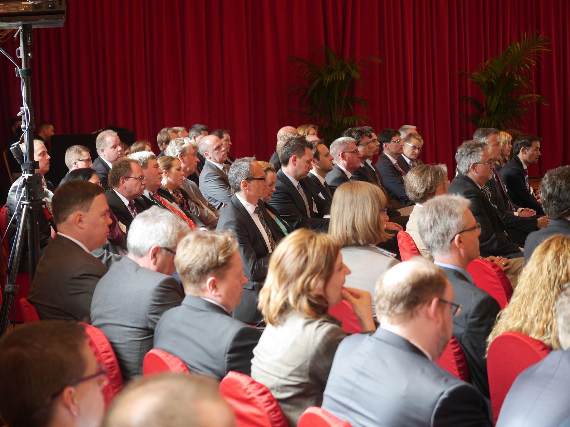 Rund 100 Treasurer und Cash Manager trafen sich in der Wolkenburg zum Austausch.