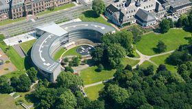 Paradebeispiel für das, was derzeit bei Brückenfinanzierungen möglich ist: Bayer hat für die Monsanto-Übernahme einen Brückenkredit in Höhe von 57 Milliarden Euro abgeschlossen.