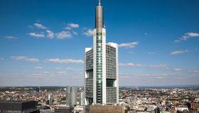 Die Commerzbank glaubt nicht mehr an ein Wunder bei der Sepa-Umstellung und bewirbt nun offen ihren Konvertierungsservice.