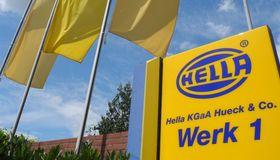 Carl Pohlschmidt, Head of Finance bei Hella, hat mit seinem Team einen Konsortialkredit neu aufgelegt und die Zahl der Banken konsolidiert.