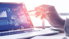 Das IT-Unternehmen Allgeier hat einige Elemente im Kreditvertrag vereinbart, die für Leveraged-Buyout-Finanzierungen von Private-Equity-Unternehmen üblich sind.