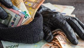 Verbrecher haben mit der Fake-President-Masche von 2013 bis 2016 gut 5,3 Milliarden Dollar erbeutet. Ransomware schlug allein 2016 mit 1 Milliarde Dollar zu Buche.