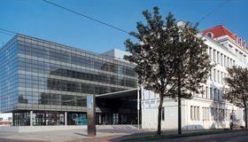 Rheinmetall-Hauptgebäude in Düsseldorf. Der Konzern hat erfolgreich seinen Konsortialkredit refinanziert.