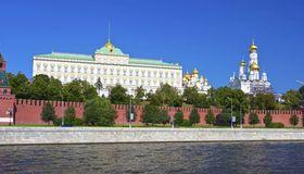 Der Kreml setzt auf Entspannung in der Ukraine-Krise - und die russische Zentralbank kehrt zur Rubel-Liberalisierung zurück.